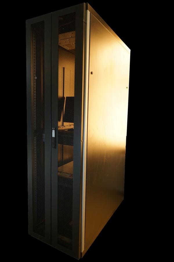 Server rack  42U S4 Benelux (Saifor)  with 2 doors and side panels, 600 x 1200 x 2000mm  42U, black