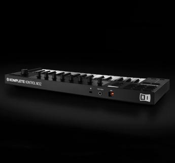 MIDI-клавиатуры: Native Instruments Komplete Kontrol M32 MCI56637